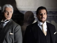 Dmitri Hvorstovsky (Renato) και Marcelo Álvarez (Gustavo).  Φωτο: Ken Howard/Metropolitan Opera