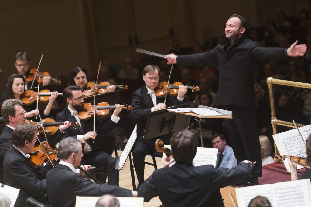 O Kirill Petrenko διευθύνει την Bayerisches Staatsorchester στο Carnegie Hall, 3/28/18. (Φωτο: Chris Lee)