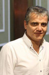 Ο σκηνοθέτης Μάνος Πετούσης.