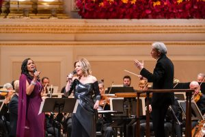 Έναρξη σαιζόν στο Carnegie Hall με Καβάκο (σε νέο Stradivarius) και Tilson Thomas