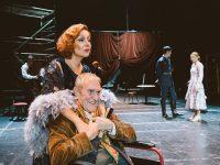 """Σκηνή από την παράσταση του έργου """"Απόψε Αυτοσχεδιάζουμε"""". Φωτο: Πάτροκλος Σκαφίδας."""