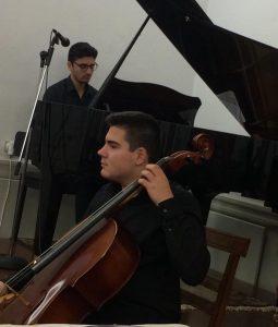 Αλέξανδρος Σιουπούλης (βιολοντσέλο), Νίκος Σοφρώνης (πιάνο).