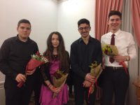 Οι νέοι σολίστ που συμμετείχαν στη συναυλία.