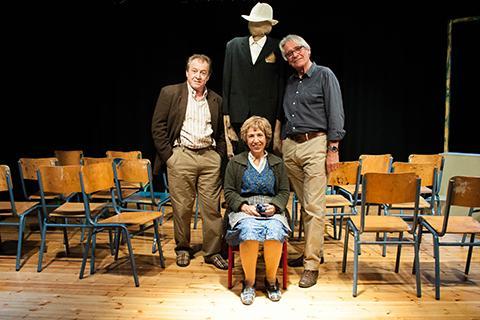 Καρέκλες (Les Chaises), του Eugène Ionesco, σε σκηνοθεσία Jean-Paul Denizon