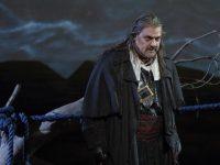 O Sir Bryn Terfel στον ρόλο του Ιπτάμενου Ολλανδού. Φωτο: Wilfried Hösl.