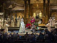 Christine Goerke (Turandot) και Yusif Eyvazov (Calàf). Φωτο: Marty Sohl / Met Opera