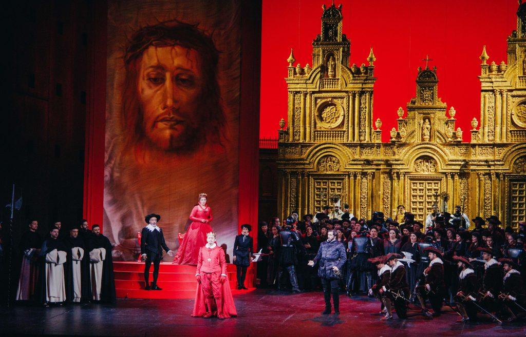 """Σκηνή από την πρεμιέρα του """"Don Carlo"""". Φωτο: Βαλέρια Ισάεβα."""