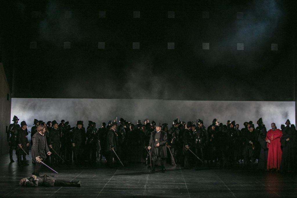 """Σκηνή από την πρεμιέρα του """"Don Carlos"""". Φωτο: Α. Σιμόπουλος."""
