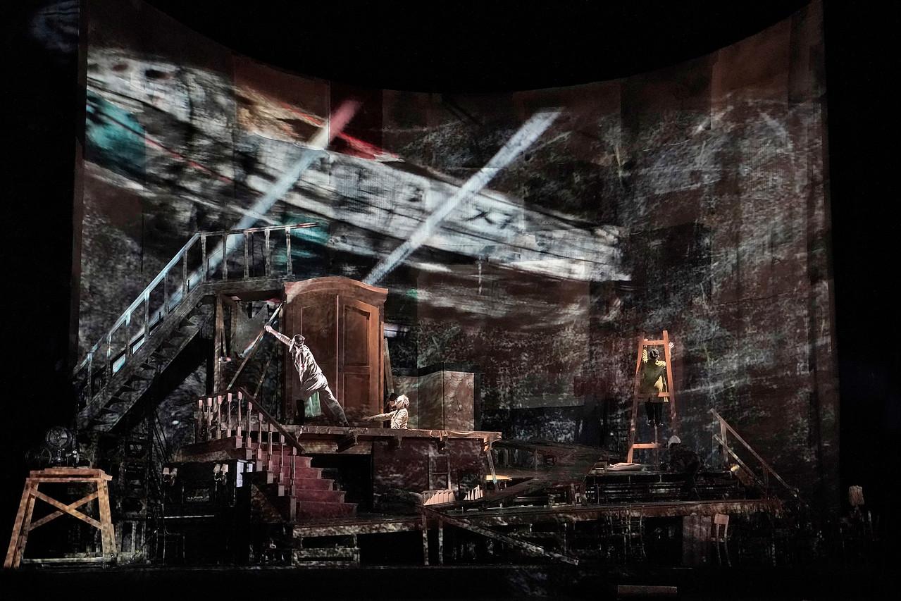 """Σκηνή από την νέα παραγωγή του """"Wozzeck"""" του Alban Berg. Φωτο: Ken Howard / Met Opera"""