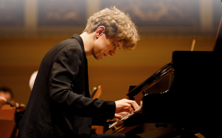 Jan Lisiecki (φωτο: DG/Peter Rigaud.