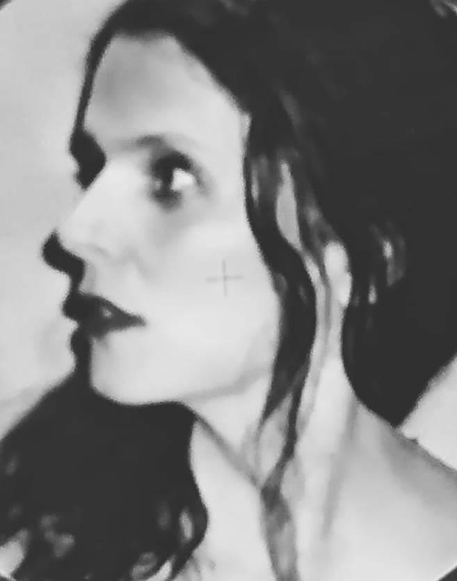 «Η Ρέπλικα» – Συγγραφή και σκηνοθεσία της Στέλλας Μαρή