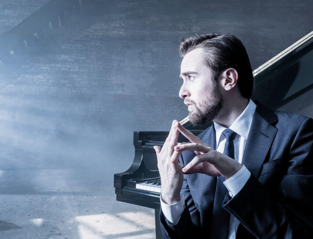 Ο πιανίστας Daniil Trifonov (φωτο: Dario Acosta/ Deutsche Grammophon).