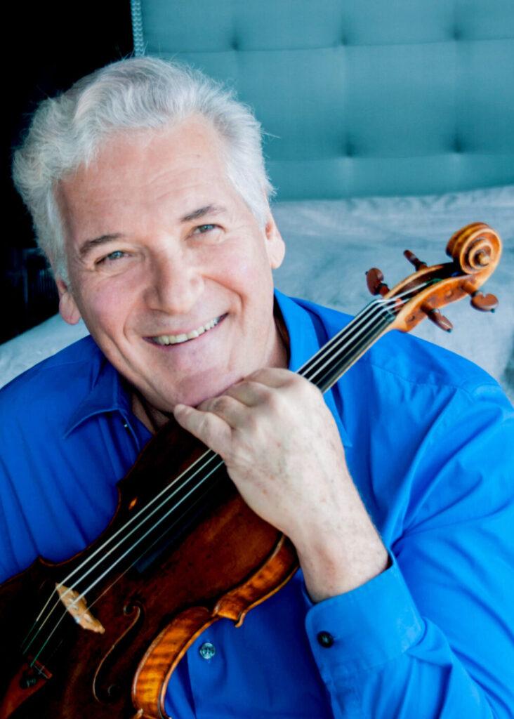 Ο βιολονίστας Pinchas Zukerman (φωτο: Cheryl Mazak).