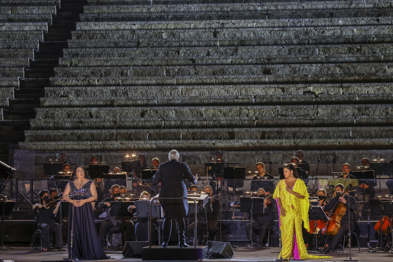 Anita Rachvelishvili,  Anna Netrebko και η ορχήστρα της ΕΛΣ, υπό τον Philippe Auguin (φωτο: Α. Σιμόπουλος).